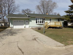 924 13th Avenue SW, Valley City, ND 58072