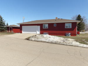 430 Secarse Drive NW, Valley City, ND 58072