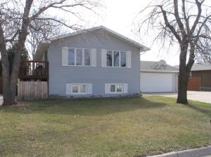 1426 7th Avenue NE, Jamestown, ND 58401