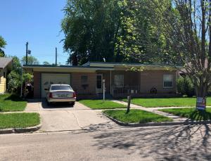 910 3rd Avenue NW, Jamestown, ND 58401