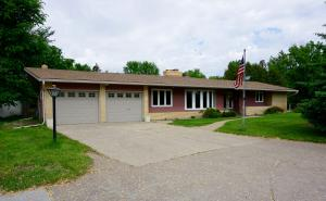 715 8th Avenue NE, Valley City, ND 58072