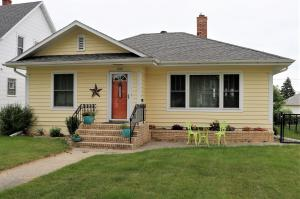 866 Central Avenue N, Valley City, ND 58072