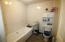 Bathroom 1 br apt