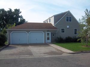801 2 nd ave Avenue SE, Jamestown, ND 58401