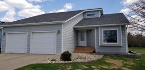 721 11th Avenue SW, Jamestown, ND 58401