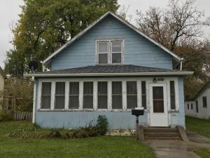 609 2nd Avenue NE, Jamestown, ND 58401