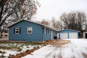 1611 11th Avenue NE, Jamestown, ND 58401