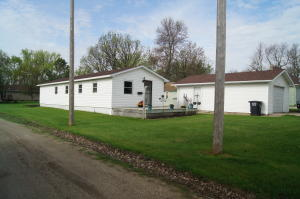 407 9th Avenue W, Edgeley, ND 58433