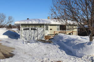 460 8th Avenue NW, Valley City, ND 58072