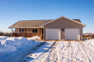 4026 Sheyenne Valley Estates, Valley City, ND 58072