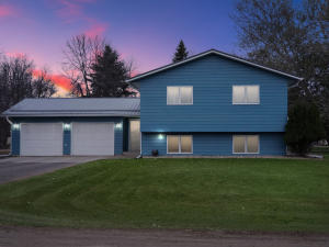 305 1ST Avenue E, Buffalo, ND 58011