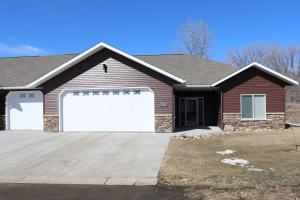 523 Legacy Lane, Valley City, ND 58072