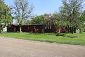 1112 10th Street SE, Valley City, ND 58072