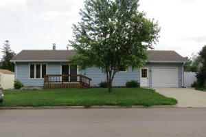 Property for sale at 1206 4th Avenue NW, Jamestown,  North Dakota 58401