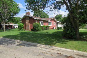 419 16th Street NE, Jamestown, ND 58401