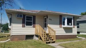1022 8th Avenue SE, Jamestown, ND 58401