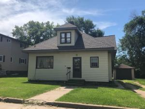 315 1st Avenue S, New Rockford, ND 58356