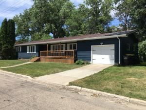 Property for sale at 102 8th Street NW, Jamestown,  North Dakota 58401