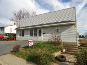 11 WESTERN AVENUE, NEW HOLLAND, PA 17557