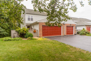 135 PINNACLE POINT DRIVE, LANCASTER, PA 17601