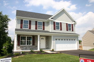 118 LAKESIDE CROSSING, 125, LANCASTER, PA 17552
