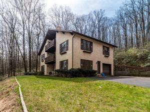 385 LAUREL RIDGE ROAD, REINHOLDS, PA 17569