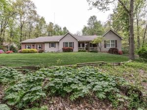 661 SPRINGVILLE ROAD, NEW HOLLAND, PA 17557