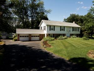 6043 FISHER DRIVE, NARVON, PA 17555