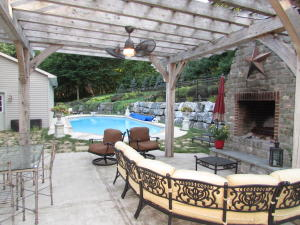 1020 RAWLINSVILLE ROAD, WILLOW STREET, PA 17584