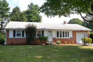 1547 LAMBETH ROAD, LANCASTER, PA 17601