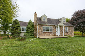230 W WOODBINE ROAD, FAWN GROVE, PA 17321