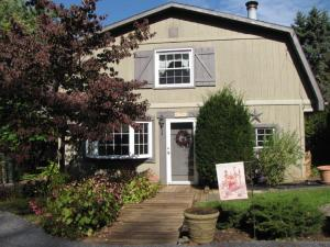 2963 SPRING VALLEY ROAD, LANCASTER, PA 17601