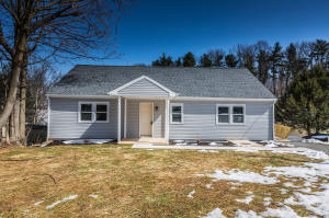 2175 HOLLINGER ROAD, LANCASTER, PA 17602
