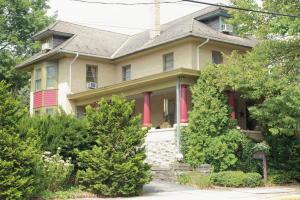62 W MAIN STREET, ADAMSTOWN, PA 17501
