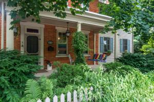 200 Lancaster Avenue Strasburg, PA 17579