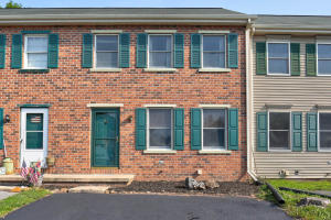 46 Cranfield Court Elizabethtown, PA 17022