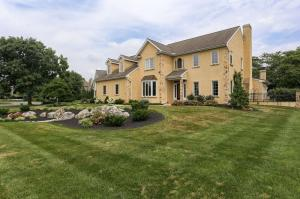 806 Bent Creek Drive Lititz, PA 17543