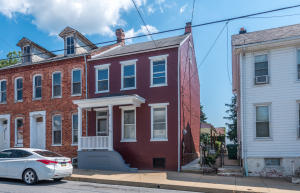 492 Manor Street Columbia, PA 17512