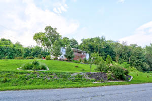 815 Laurel Hill Road Columbia, PA 17512