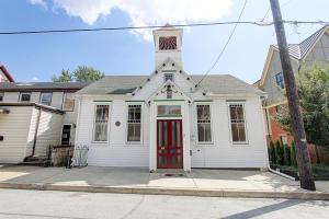 639 E Market Street Marietta, PA 17547
