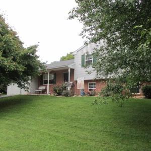 15 Crestview Drive Elizabethtown, PA 17022