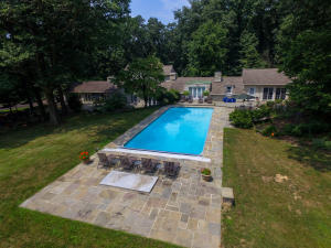 23 Warwick Road Lititz, PA 17543