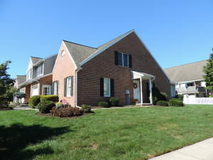 405 Huntington Drive Mountville, PA 17554