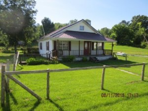 982 Little White Oak Rd, Duff, TN 37729