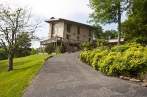 2800 Kelly Lane, Kodak, TN 37764