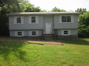 327 Bill St, Rockford, TN 37853