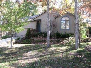 179 Lakeside Drive, Crossville, TN 38558