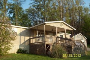 5232 Hickory Woods Rd, Strawberry Plains, TN 37871