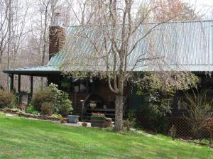 872 Smith Mountain Rd, Rockwood, TN 37854