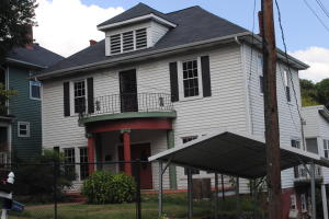 504 Surrey Rd, Knoxville, TN 37915